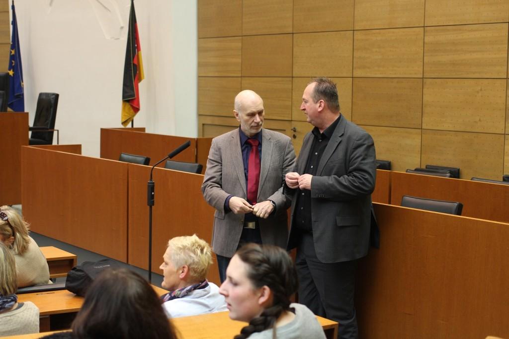 Initiator Werner Massow im Gespräch mit Uwe Santjer (SPD)