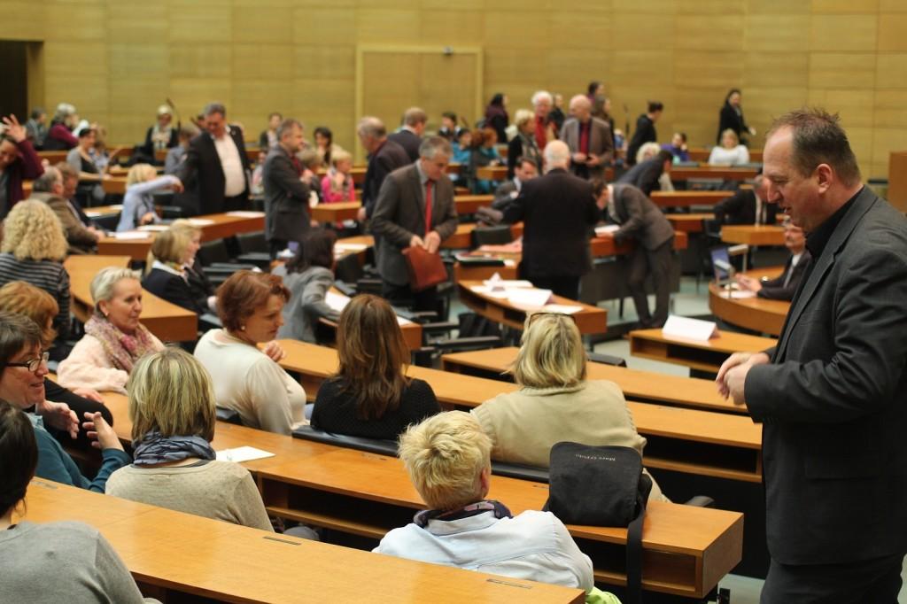 Plenarsaal vor der Sitzung